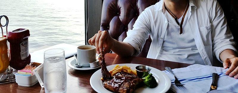 クルーズ船でおいしい食事を見つけるために知っておいてほしいこと