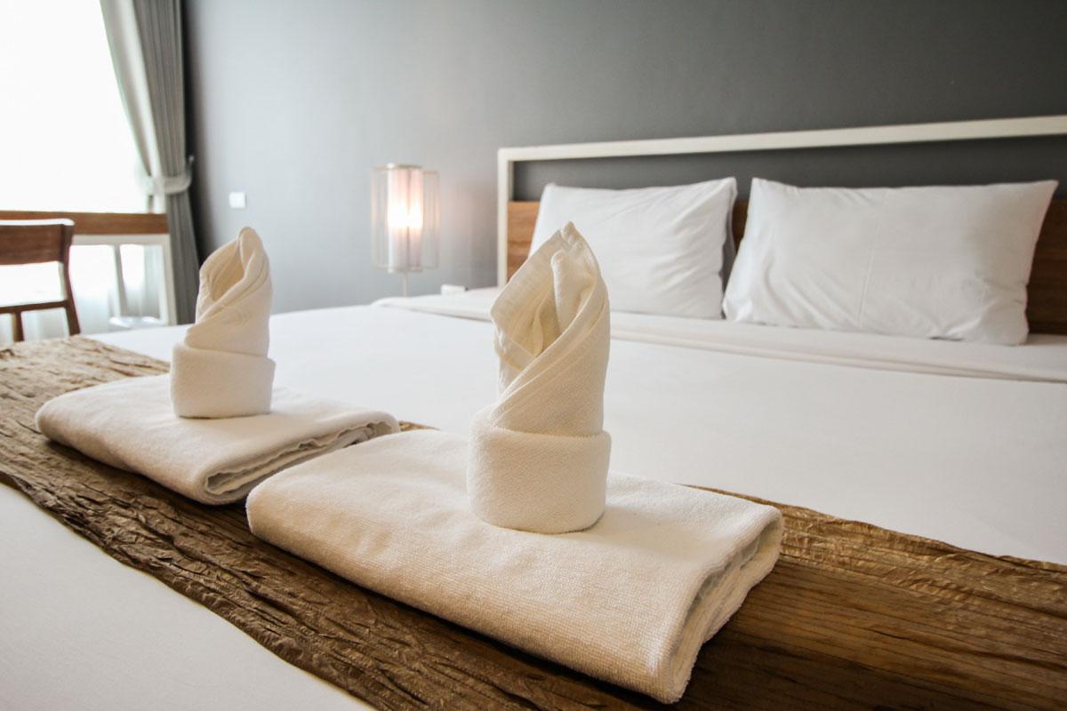 ホテル客室清掃に学ぶ、お部屋の臭い対策最終手段