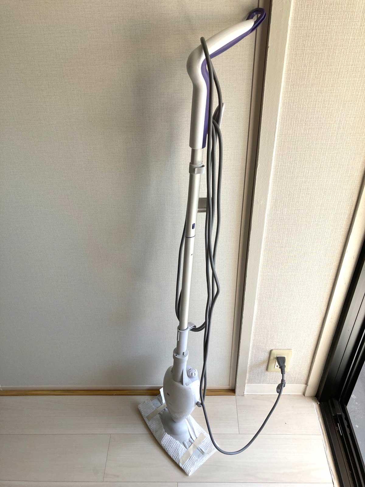 大面積の床には蒸気を使う掃除で脱脂除菌する