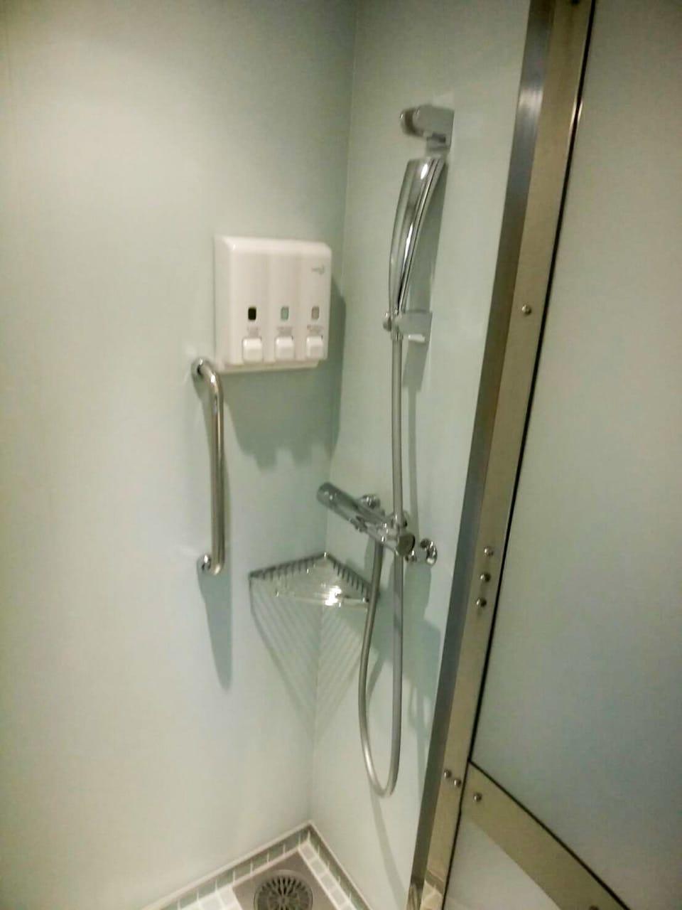 シャワーも勿論あります