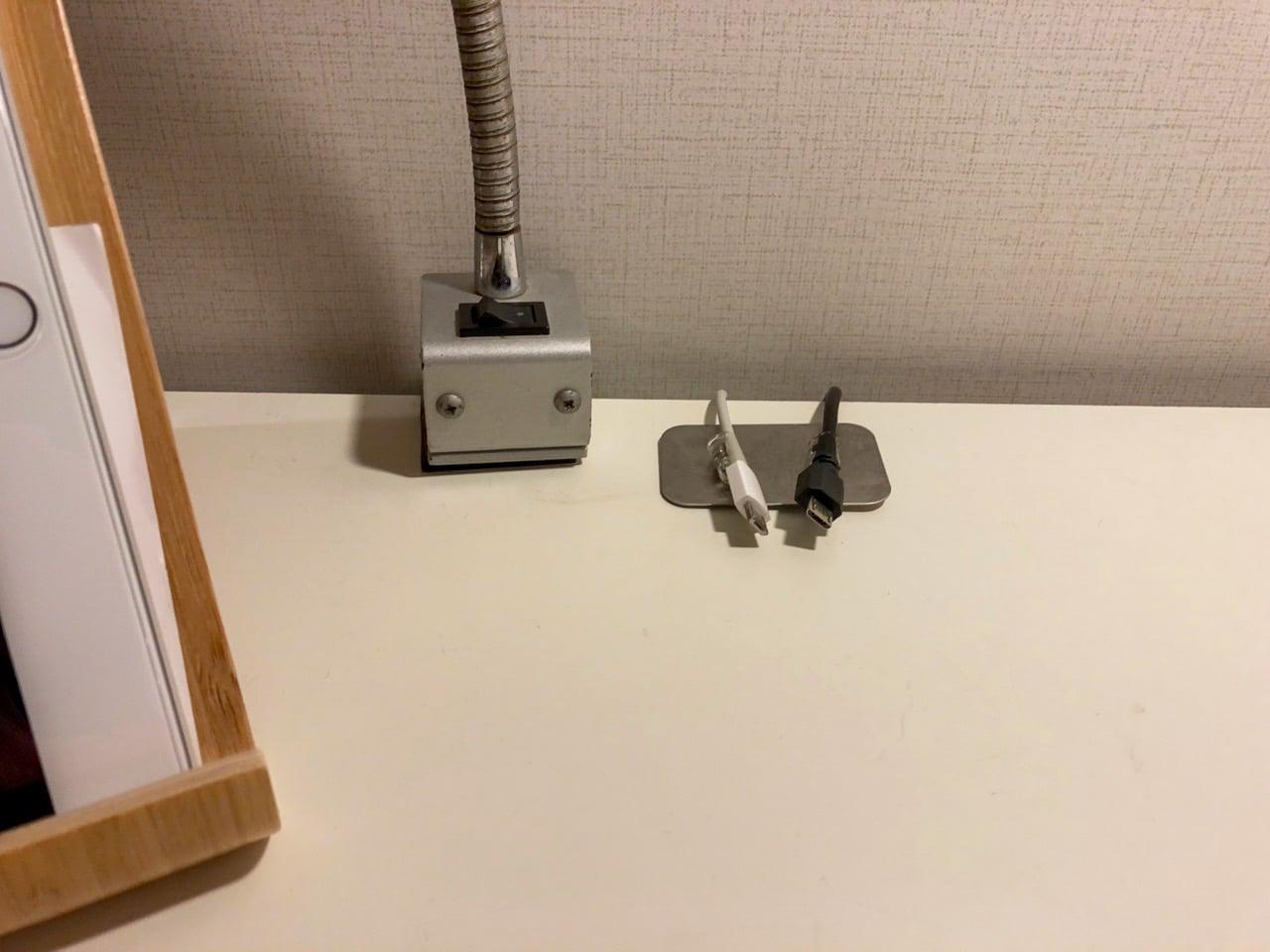 デスクトップマグネットケーブル