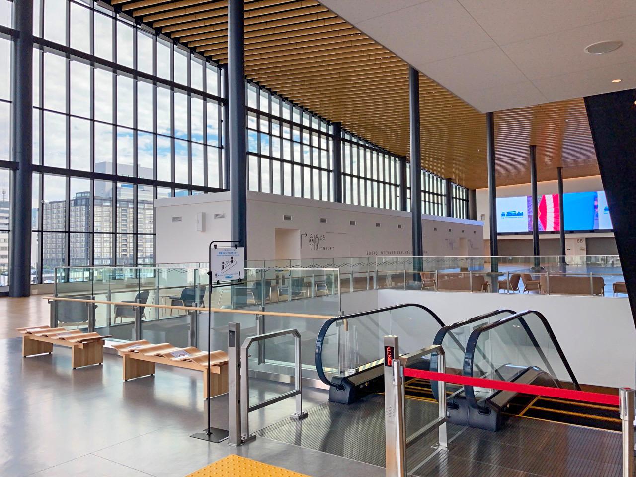 広大なターミナルがほぼ無人