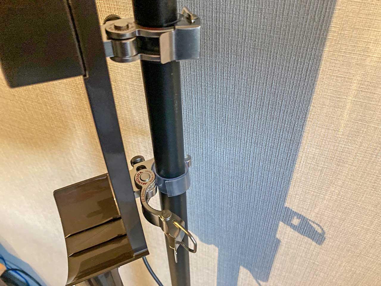 ダイソンを取り付けたい高さに公式純正ホルダーを調整