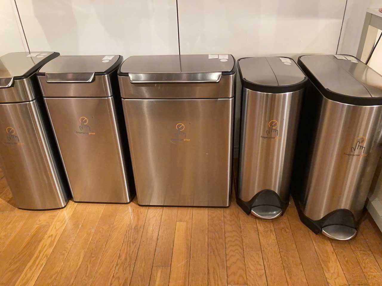 ゴミ箱製品は各社非常に多くのラインナップ